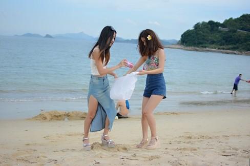柯晓云海边游泳偶遇美女环保清洁工 488